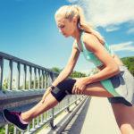 Knieschmerzen auf sanfte Weise behandeln